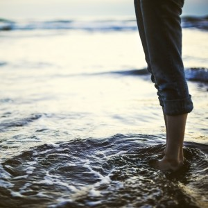 Feet-Water-Puddle-Calm-Background